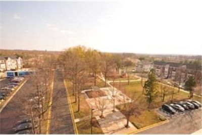 2 bedrooms Apartment - Live close to shopping.
