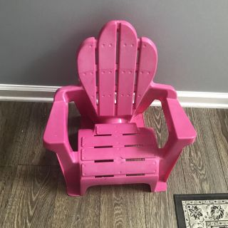 Pink Toddler chair. Great for beach also!