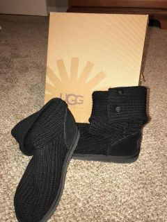 Authentic Ugg brand knit boots black