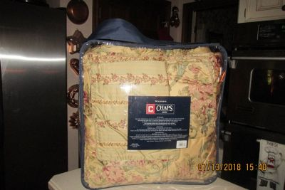 """Plush Designer Reversible Queen Comforter w/2 Pillow Shams - By """"Chaps"""" - REDUCED !!!"""