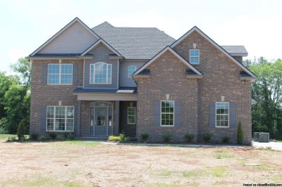 Brand New Home! 2 car Garage, Nice kitchen w/ stainless appliances!