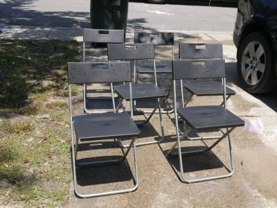 6 Plastic Folding Chairs Lot