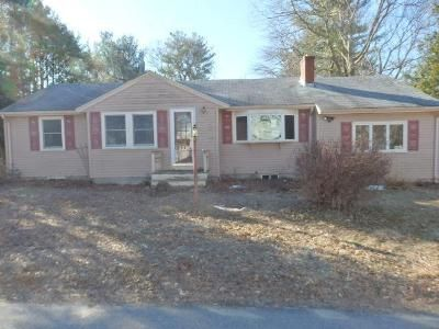 3 Bed 1 Bath Foreclosure Property in Holbrook, MA 02343 - Mullane Ave