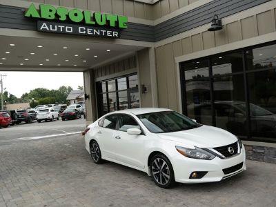 2017 Nissan Altima 2.5 (Pearl White)
