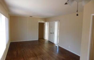 $2,095, LOVELY 2 BED/1 BATH SINGLE FAMILY HOME IN ENCINO