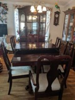 Dinning table/Cabinet Set