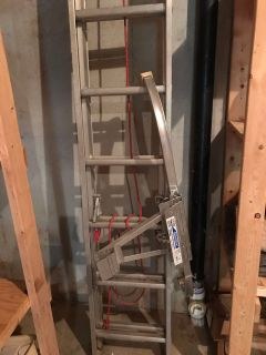 Extension ladder and stabilizer