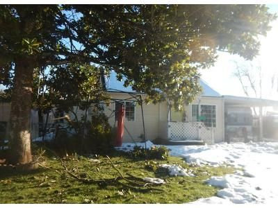 1 Bed 1 Bath Preforeclosure Property in Springfield, OR 97478 - Camellia St