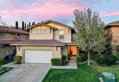 1526 River Wood Court SIMI VALLEY Four BR, Once you walk into