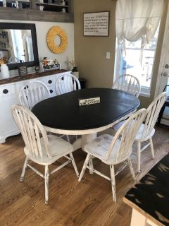 Kitchen - dining table and chairs