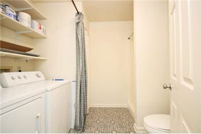 Great Central Location 4 bedroom, 3 bath. Washer/Dryer Hookups!