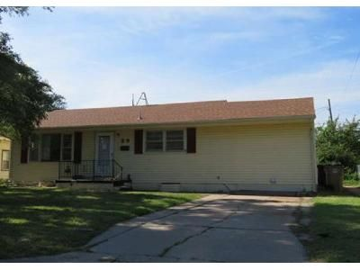 2 Bed 1 Bath Foreclosure Property in Hutchinson, KS 67502 - Sunflower Ave