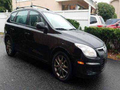 2012 Hyundai Elantra Touring GLS (Black Noir Pearl)