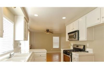 Moreno Valley, Great Location, 4 bedroom House. Washer/Dryer Hookups!