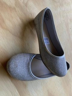 Size 1 1/2 silver flats