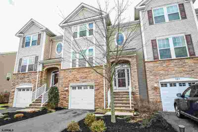 119 Dunlin Ln Pleasantville Three BR, Luxury Townhome located in