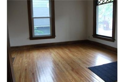 Beautiful Syracuse House for rent. Single Car Garage!