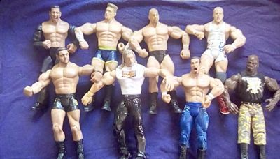 Set of 9 Action figures!