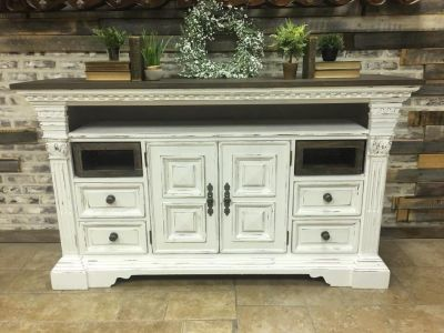 Solid media console