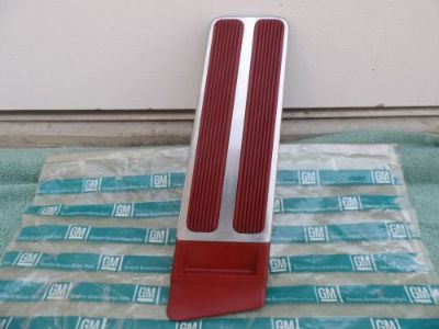 Sell 1963-1964-65 BUICK RIVIERA & GRAN SPORT GAS PEDAL RED NICE ORIGINAL GM motorcycle in Oak Hills, California, United States, for US $117.00