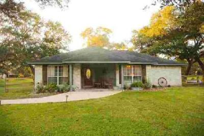 110 Stratton St West Columbia Three BR, This charming home sits