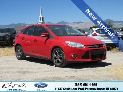 2013 Ford Focus SE (Red)
