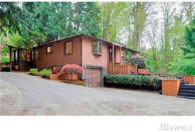 16622 SE Newport Wy Bellevue Three BR, One of a kind home