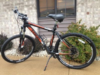 $525 2012 Trek 4300 Bike- with Hydraulic Disc brakes