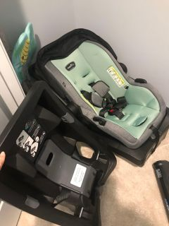 Evenflo car seat and two bases