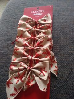 6 Christmas bows. Never used