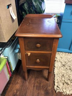 Vintage night stand/end table/side table