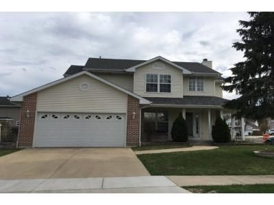 3 Bath Preforeclosure Property in Waukegan, IL 60087 - Anthony Ct