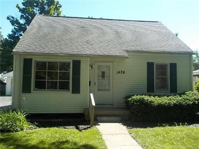 3 Bed 2 Bath Foreclosure Property in Flint, MI 48507 - Crestbrook Ln