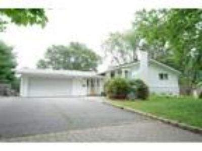 Dix Hills Real Estate For Sale - Three BR, 2 1/Two BA Ranch
