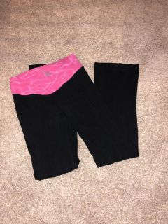 Women s old navy yoga pants size medium great condition