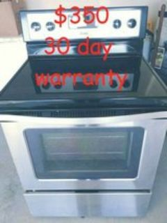 Like new Whirlpool stainless steel glasstop stove