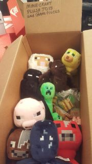 MINECRAFT COLLECTION ~ PLUSH AND FIGURINE TOYS