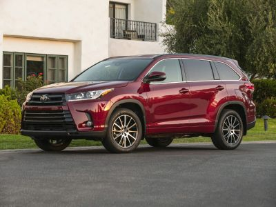 2018 Toyota Highlander LE (Toasted Walnut Pearl)