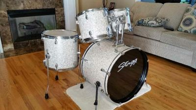 Stagg drum set-5 drums and snare stand *no additional hardware *