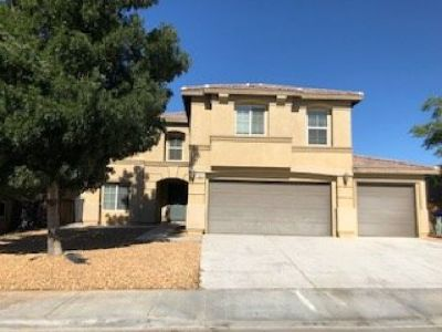 Victorville - Gorgeous 3,521 sq. ft. home with 5 bedrooms/3 baths available for immediate move-in!