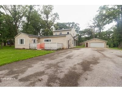2 Bed 1 Bath Foreclosure Property in Steger, IL 60475 - Sherman Rd