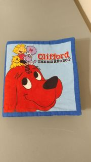LIKE NEW - RETAIL14.98 - 9x9 FABRIC BOOK CLIFFORD THE BIG RED DOG + PICS