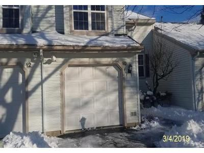 2 Bed 2.1 Bath Foreclosure Property in Troy, NY 12182 - Woods Path