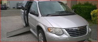 2007 Dodge Grand Caravan Mobility Handicap Wheelchair In-floor Power Ramp 74k miles $9995