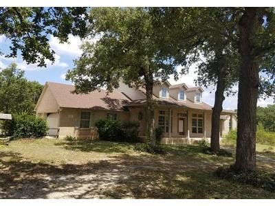 3 Bed 2.1 Bath Foreclosure Property in Elgin, TX 78621 - The Oaks Blvd