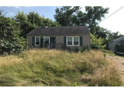 2 Bed 1 Bath Preforeclosure Property in Hamilton, OH 45015 - Tylersville Rd