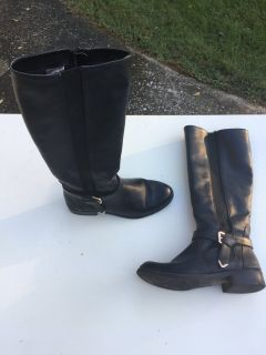 Boots. Size 5 1/2.