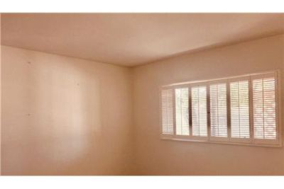2 bedrooms House - Stunning 1 story with tons of upgrades - wood floors through out. Washer/Dryer H
