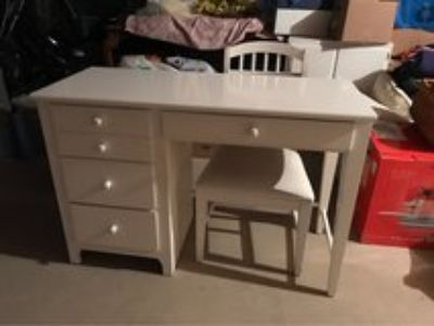 child s desk and chair