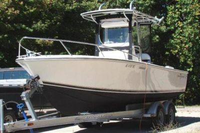 2004 Albemarle 242 Center Console